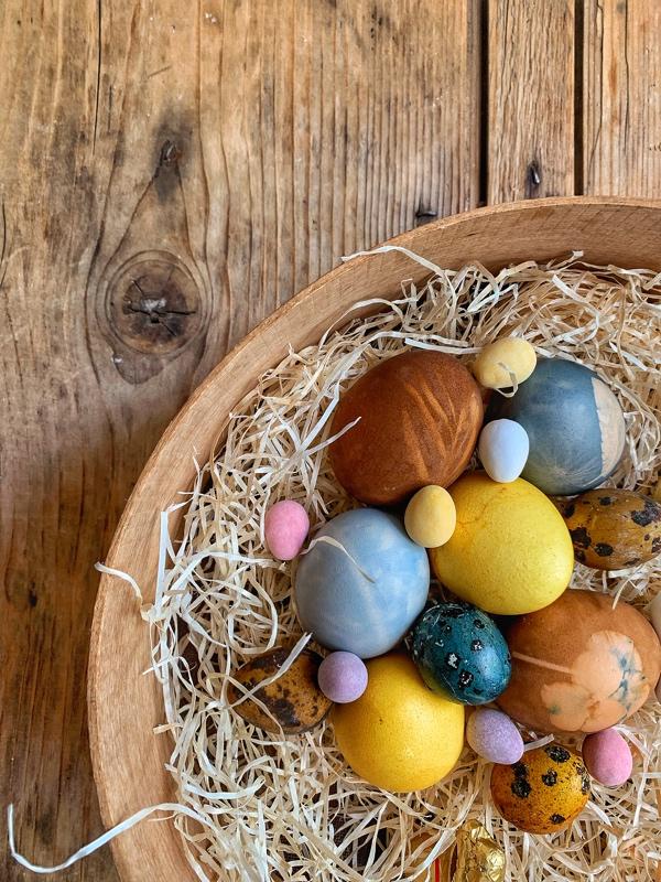 Varené vajíčka prírodnými farbami