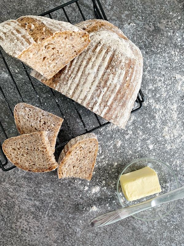 Celozrnný kváskový chlieb