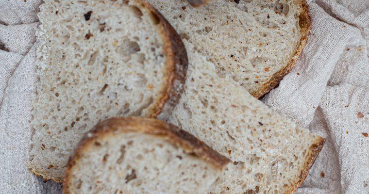 """Chlieb z LIVE pečenia """"PÁN BOŽSKÝ"""""""